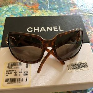 CHANEl * Brown Frame Gradient Tint Sunglasses 6023